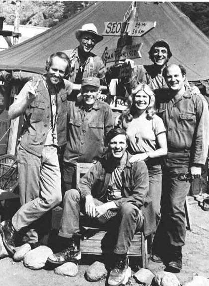 M*A*S*H: Cast at the season finale